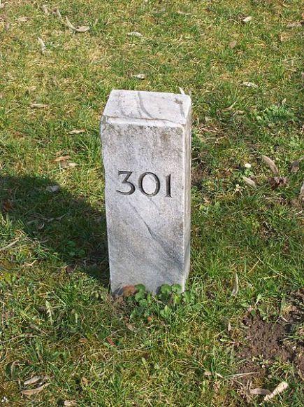 Új Köztemető 301-es parcella jelölőköve